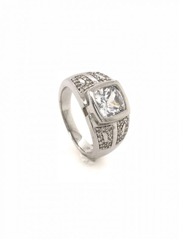 ring photography before jewelry retouching