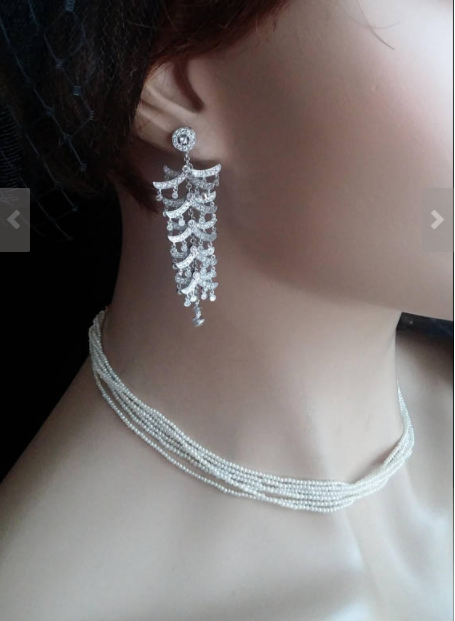 what's the best way to photograph jewelry - advantages of using mannequins
