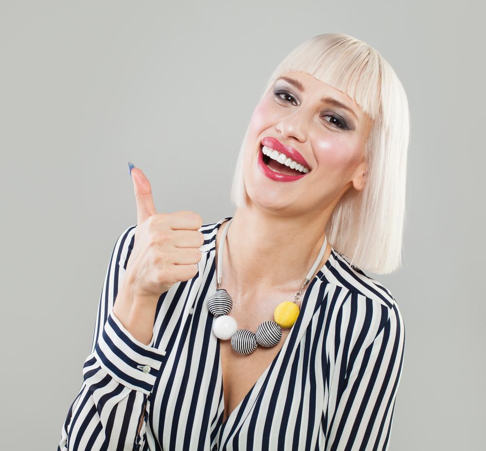 white background jewelry photography vs lifestyle photography