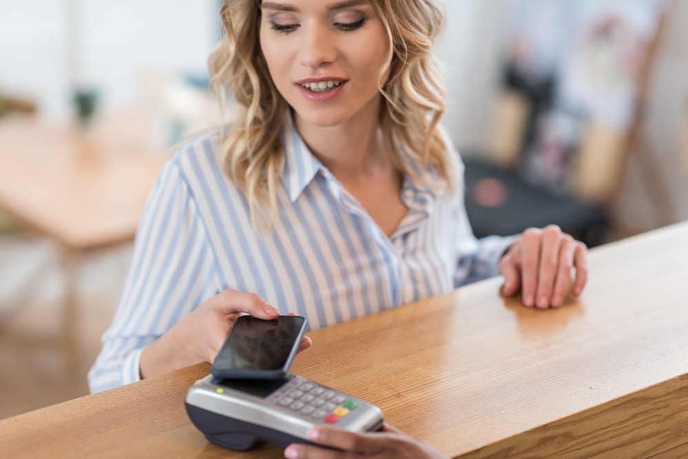 digital payments for a frictionless jewelry shopping experience