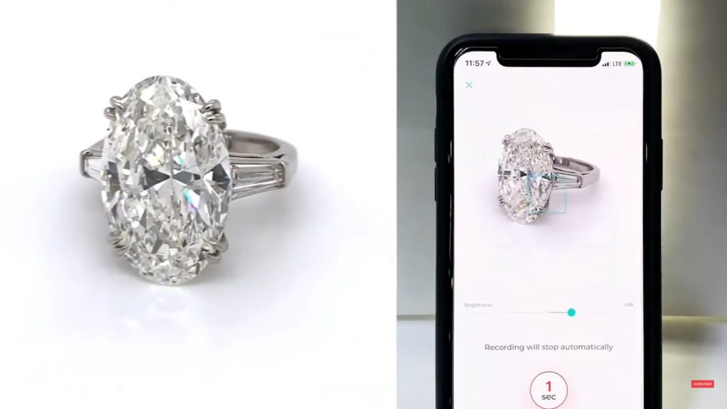 Click to capture images or videos fo your oval diamond ring