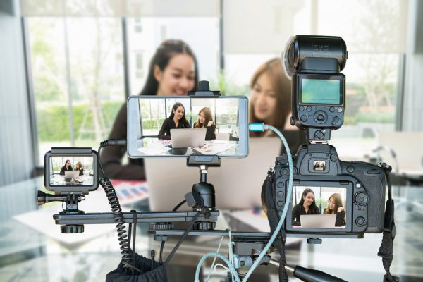 jewelry e-commerce trends: livestreaming