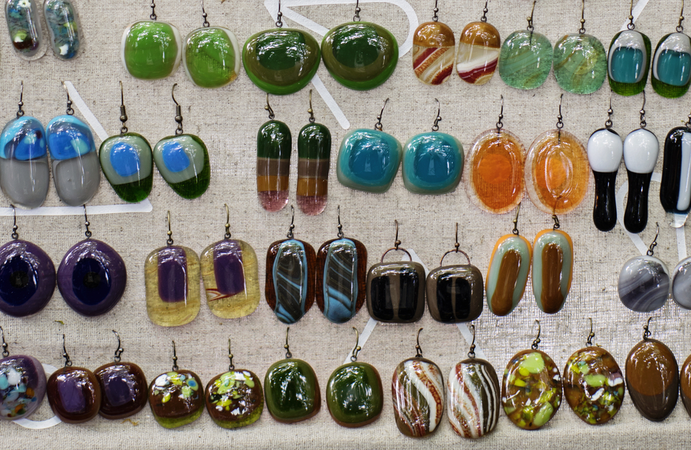 Try not to photograph different pairs of earrings in one group