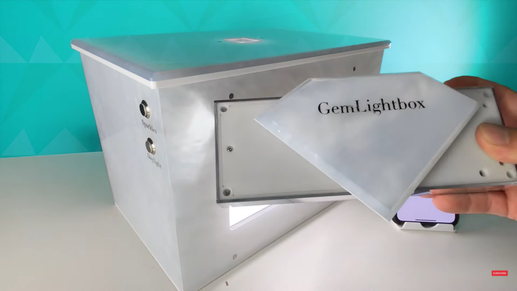 Place the Aerial diamond piece into the GemLightbox lid