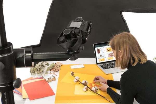tips for selling jewelry on Zoom - setup your workspace