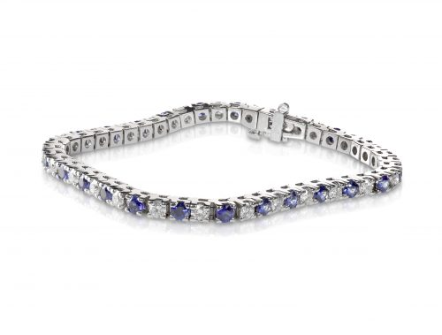 what is a tennis bracelet?
