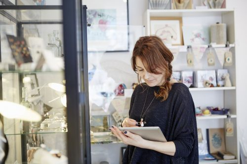 5 Ways to Combine Physical and Online Jewelry Shopping
