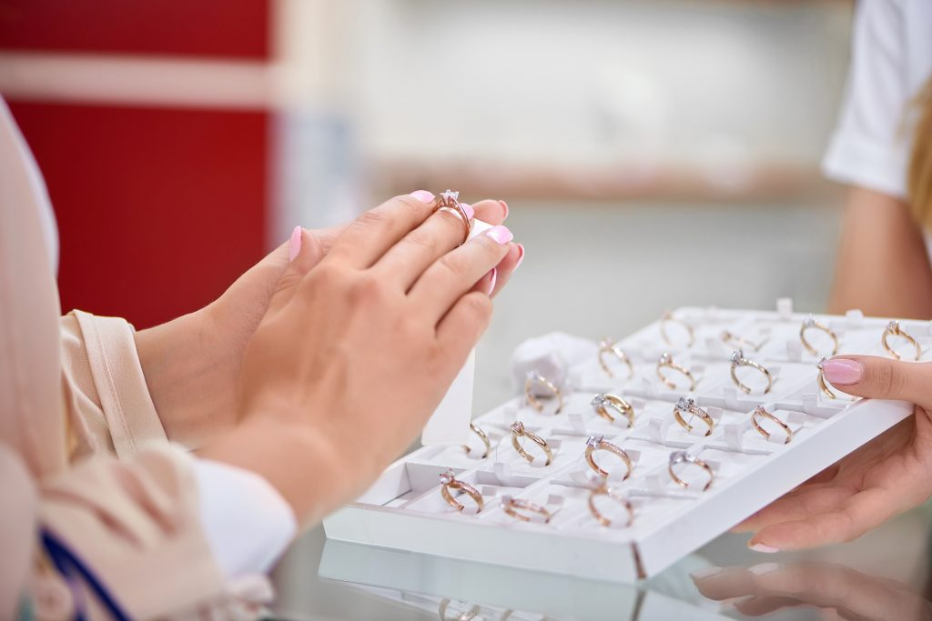 sneak jewelry theft