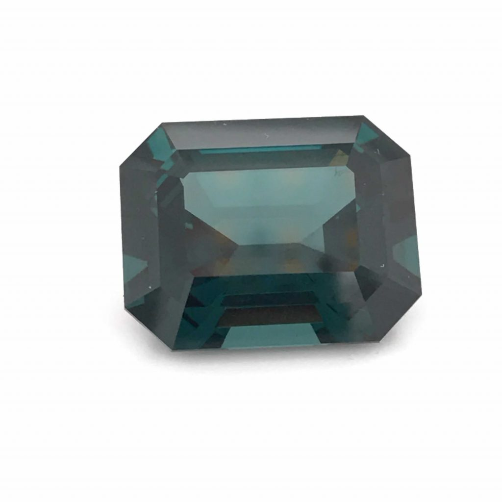 Alexandrite photographed with the GemLightbox