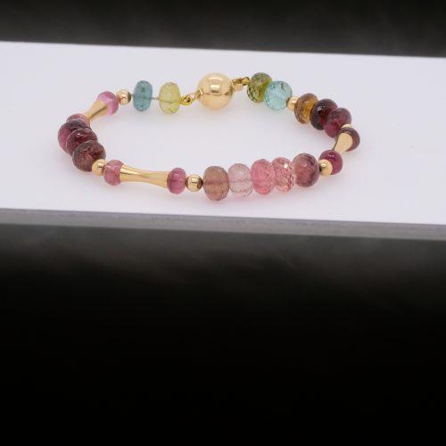 https://picupmedia.com/wp-content/uploads/2021/06/color-sapphire-bracelet-not-retouched-500x500.jpg