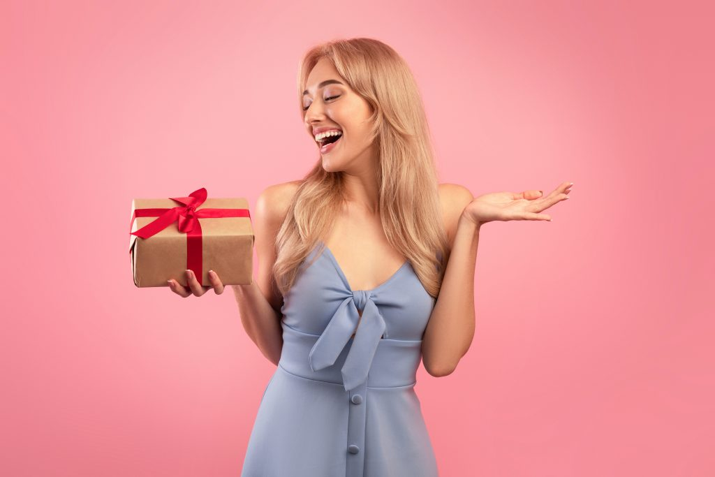 excite jewelry shoppers with gifts, freebies, or discounts to encourage repeat purchases